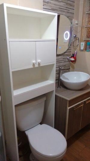 Mueble Organizador para Baño en Melamina Blanco tratado para resistir la humedad. by My Portfolio